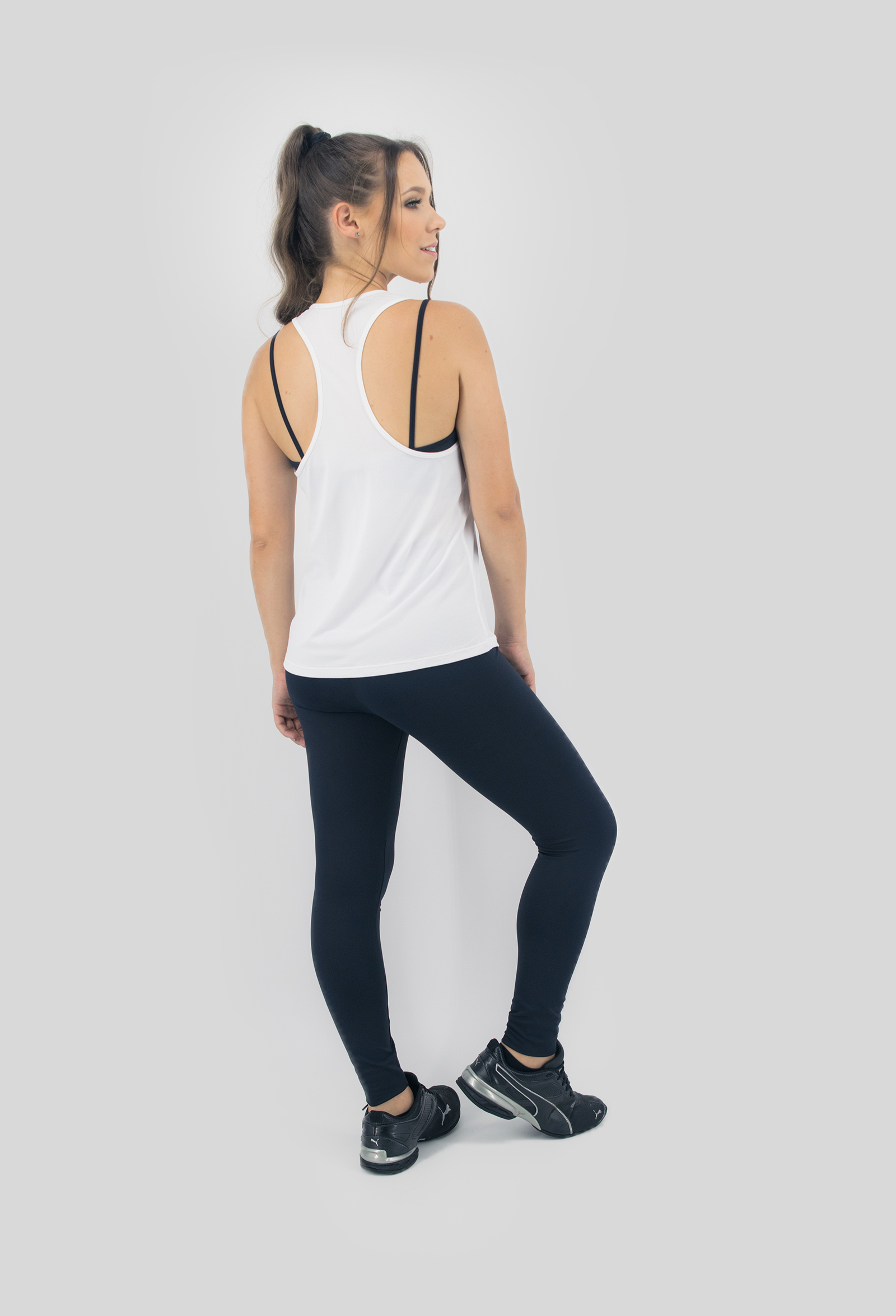 Regata NKT Branca, Coleção Move Your Body - NKT Fitwear Moda Fitness
