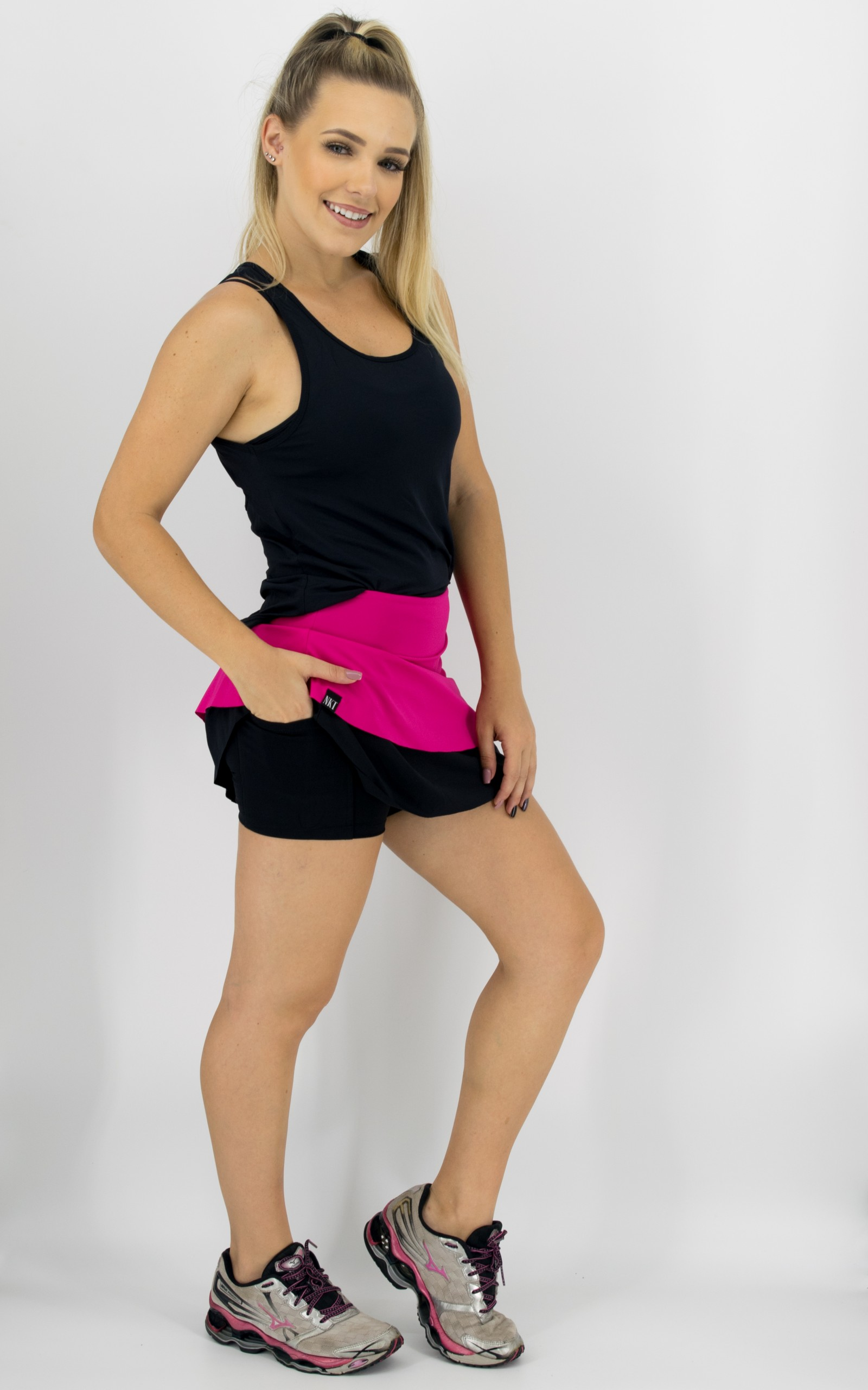 Saia Shorts Star Groselha, Coleção Move Your Body - NKT Fitwear Moda Fitness