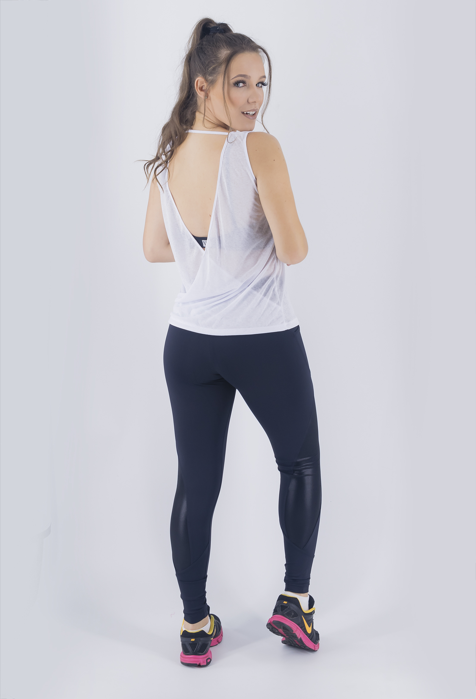 Regata Unique Branca, Coleção Just For You - NKT Fitwear Moda Fitness