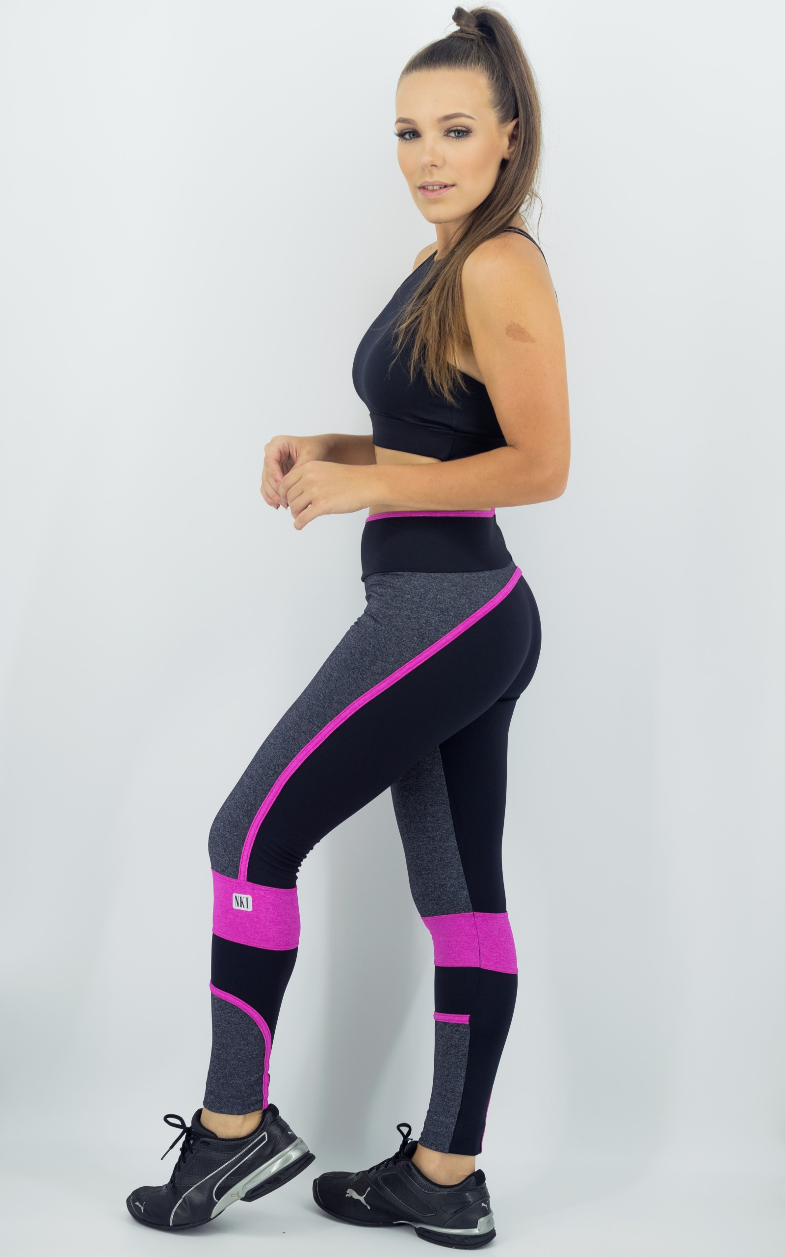 Legging Brave Rose, Coleção Move Your Body - NKT Fitwear Moda Fitness