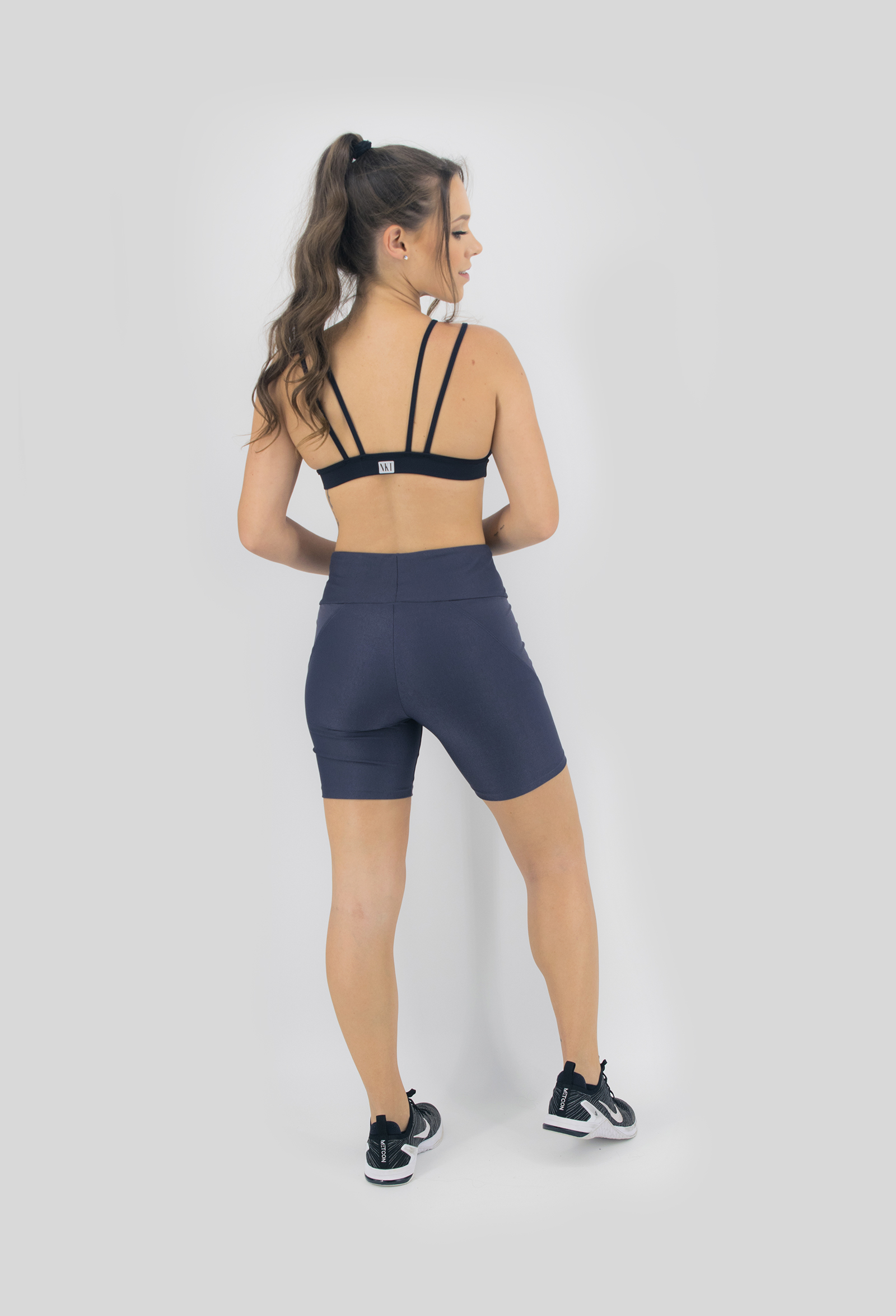 Top Tiras Preto, Coleção Move Your Body - NKT Fitwear Moda Fitness