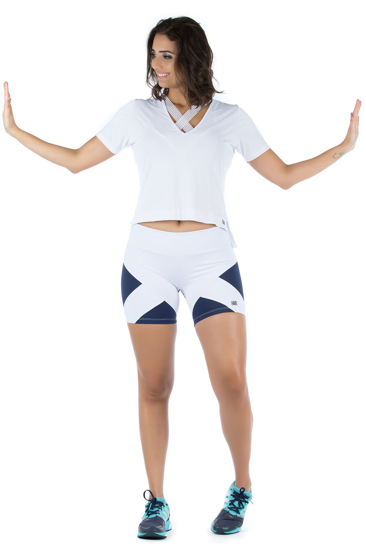Baby Look V branco, Coleção Mulheres Reais - NKT Fitwear Moda Fitness