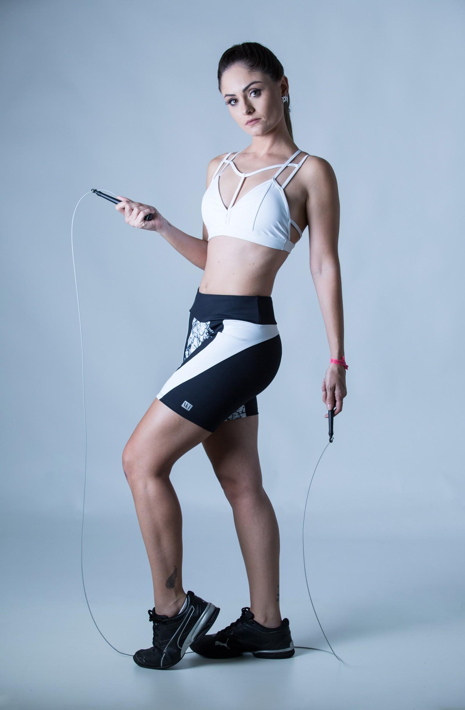 Bermuda Plenty 3D Black White, Coleção Plenitude - NKT Fitwear Moda Fitness
