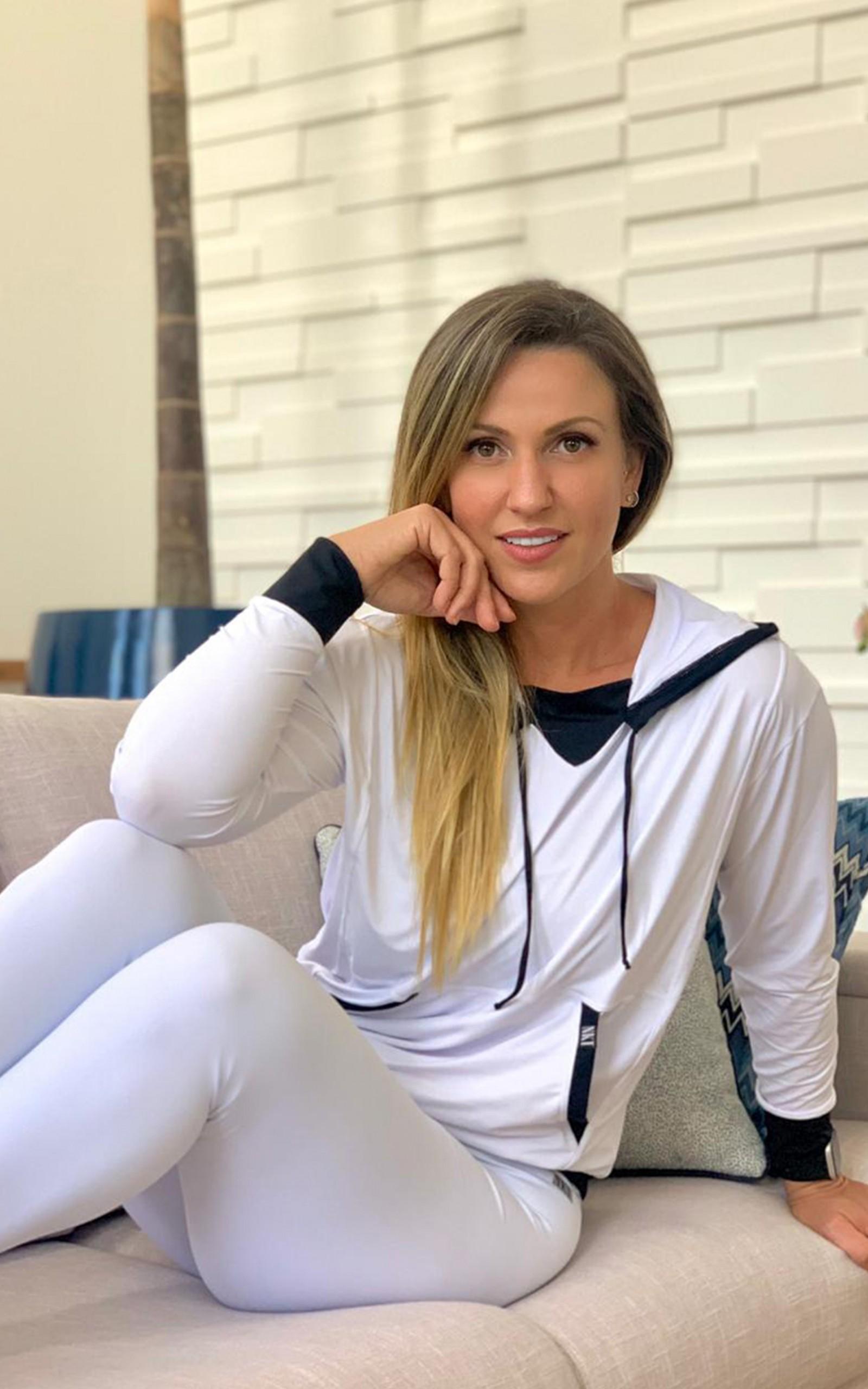 Casaco Duo Branco, Coleção Move Your Body - NKT Fitwear Moda Fitness