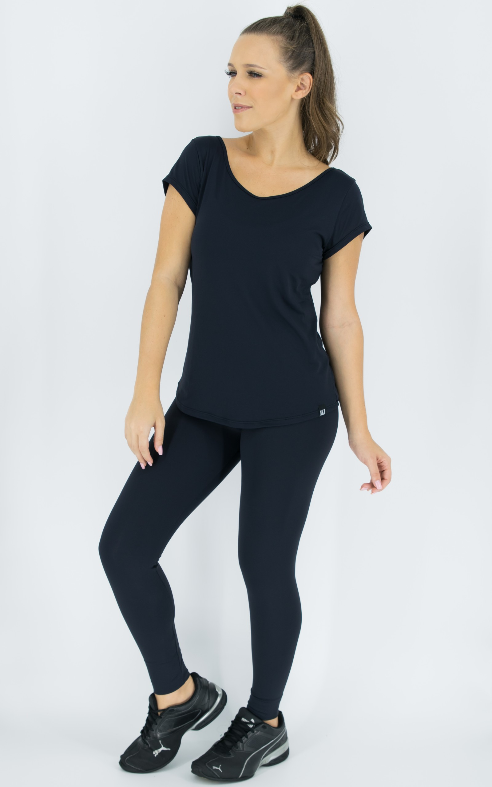 Blusa Special Preta, Coleção Move Your Body - NKT Fitwear Moda Fitness