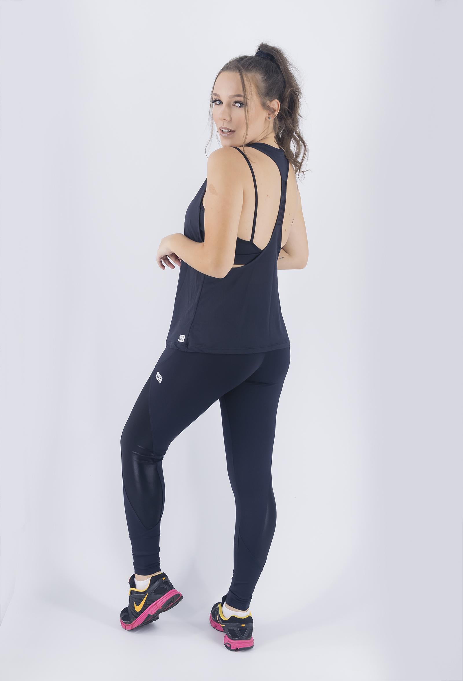 Regata Cava Fabulous Preta, Coleção Just For You - NKT Fitwear Moda Fitness