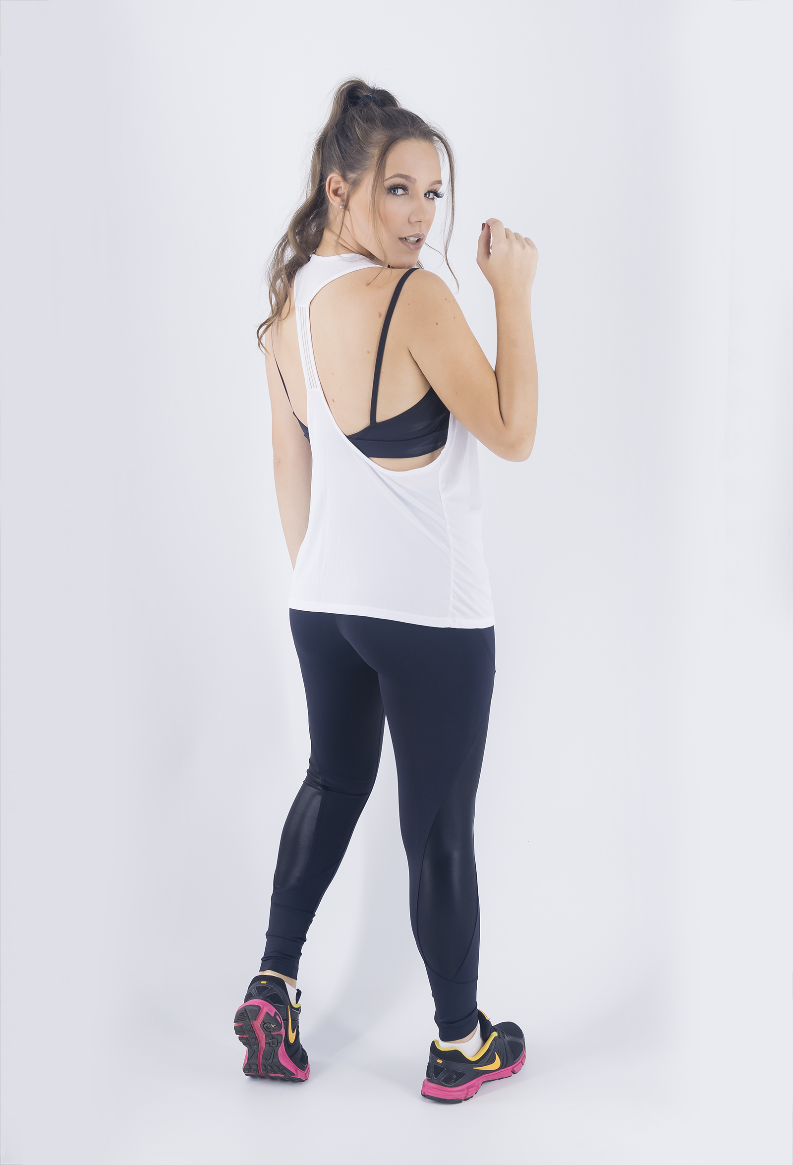Regata Cava Fabulous Branca, Coleção Just For You - NKT Fitwear Moda Fitness