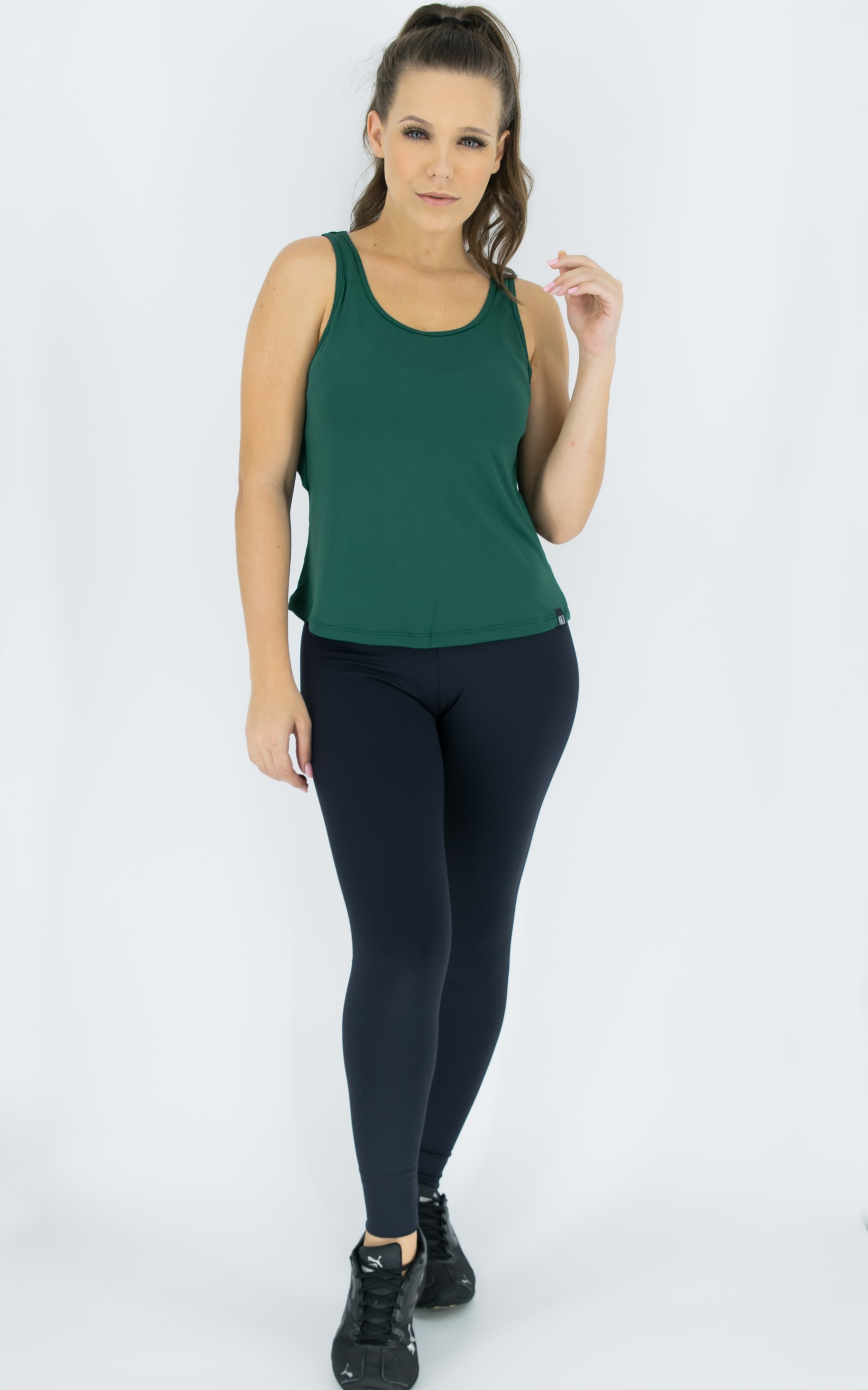 Regata Lux Verde, Coleção Move Your Body - NKT Fitwear Moda Fitness