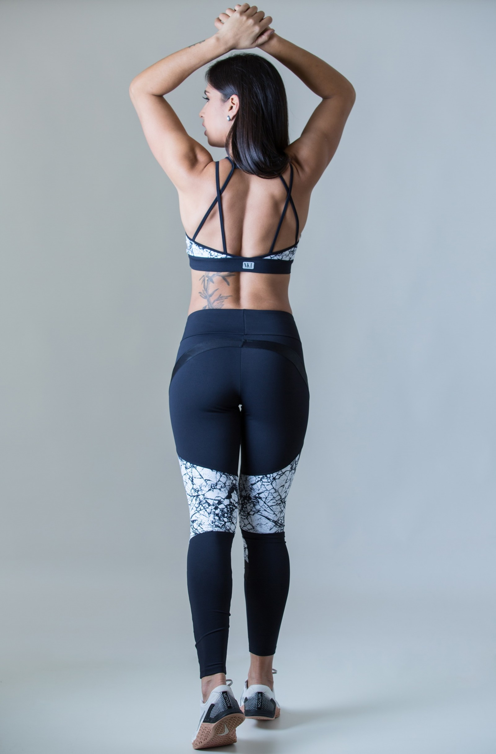 Cropped Absolute 3D Black White, Coleção Plenitude - NKT Fitwear Moda Fitness