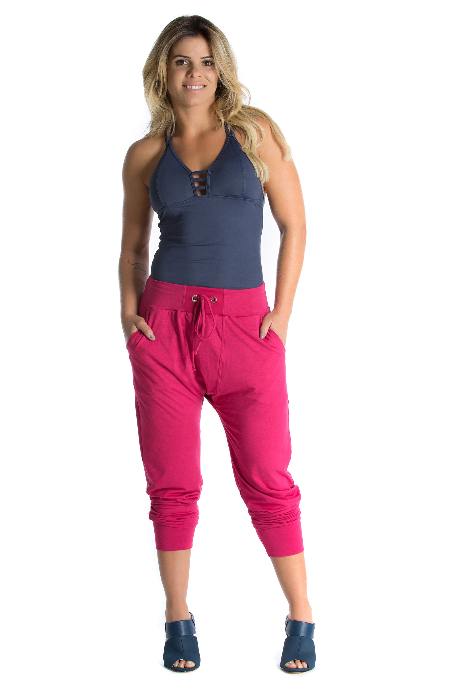Regata Bright Marinho, Coleção Mulheres Reais - NKT Fitwear Moda Fitness
