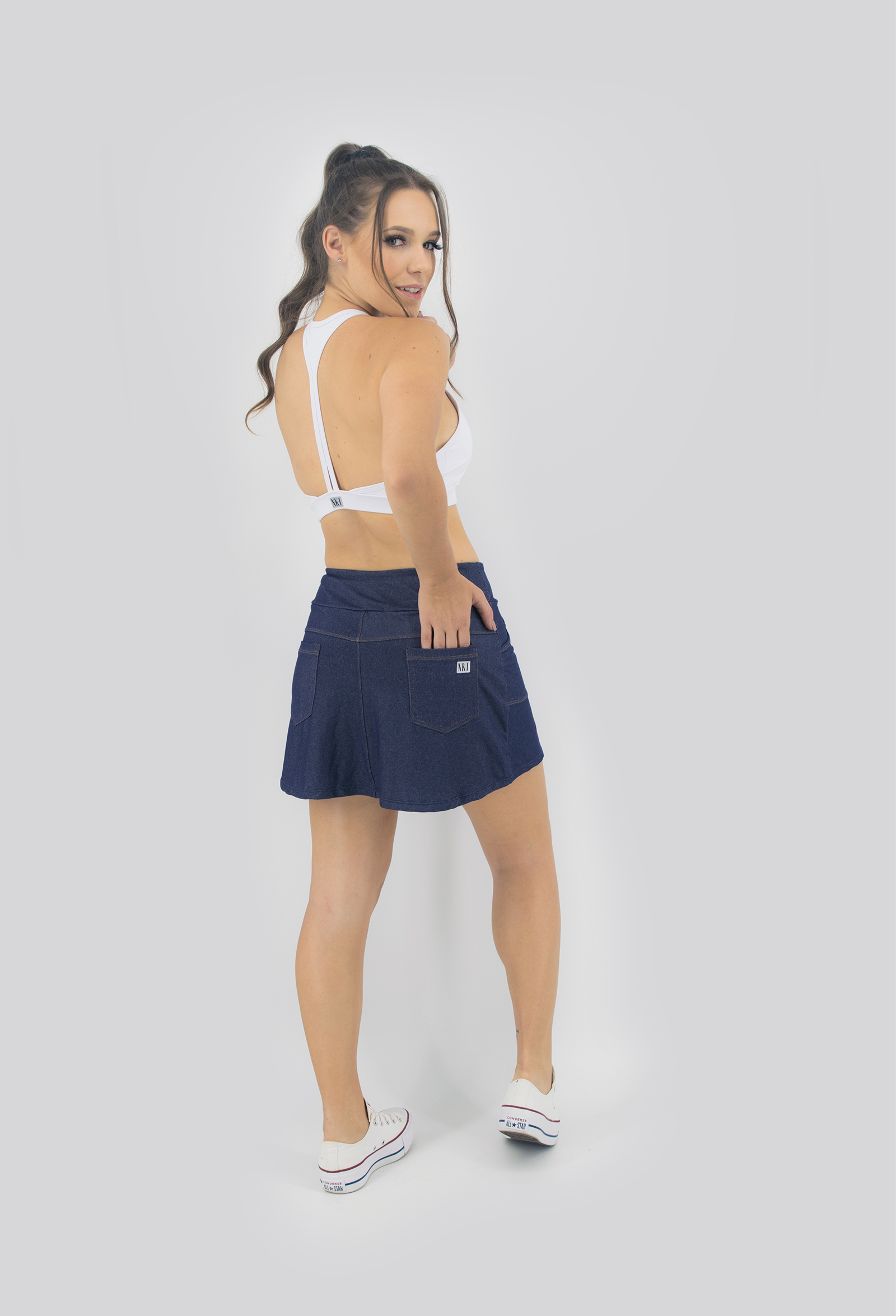 Saia Shorts Fluky Jeans Escuro, Coleção Move Your Body - NKT Fitwear Moda Fitness
