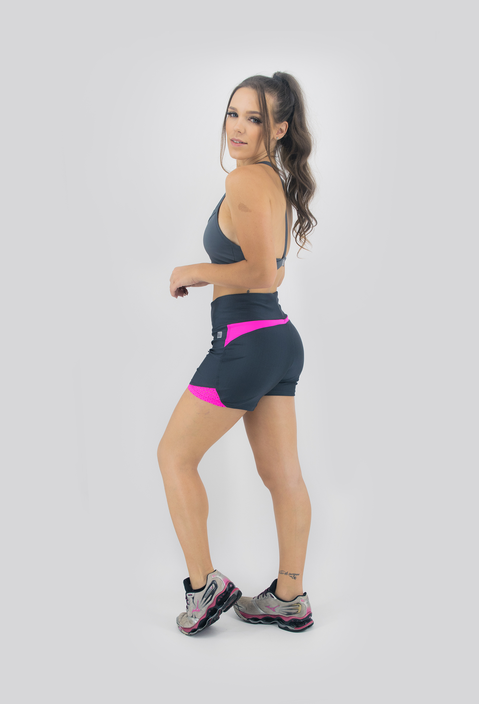 Shorts Life Confort Chumbo, Coleção Move Your Body - NKT Fitwear Moda Fitness