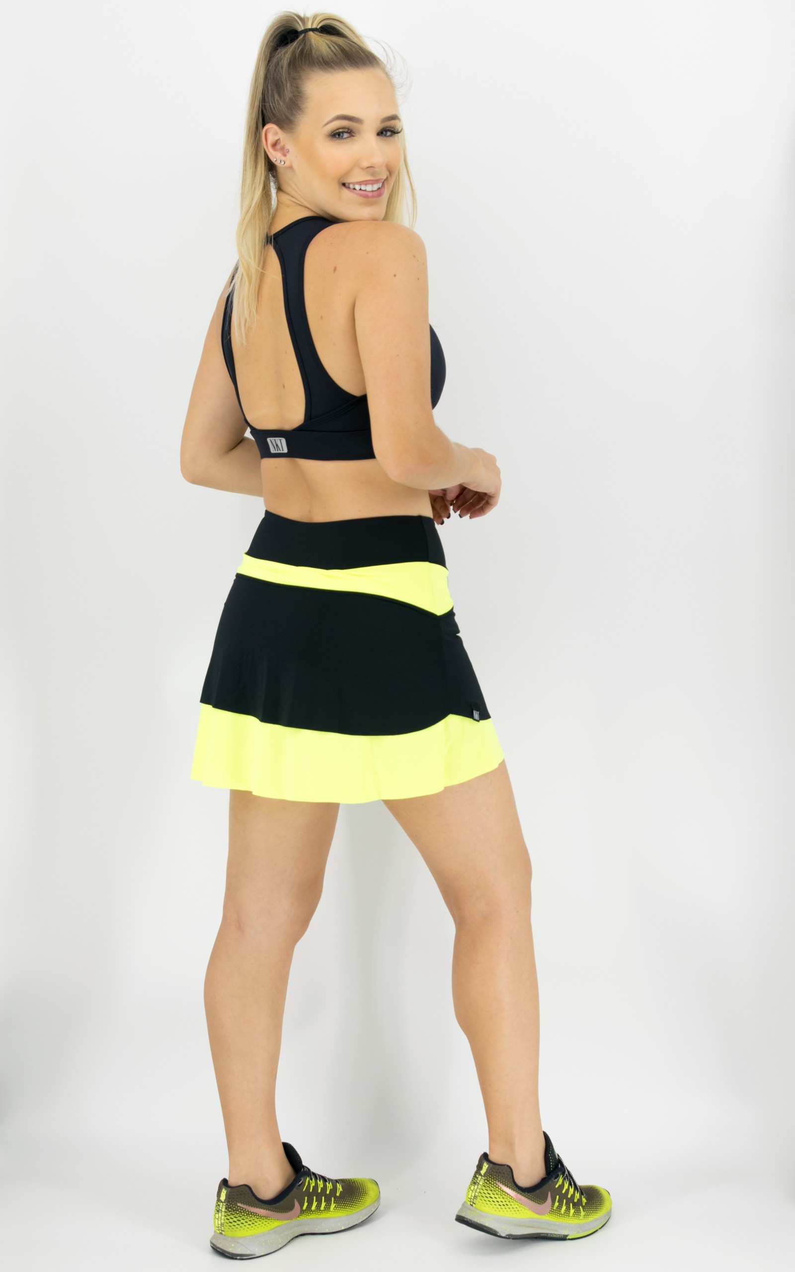 Saia Shorts Star Neon, Coleção Move Your Body - NKT Fitwear Moda Fitness