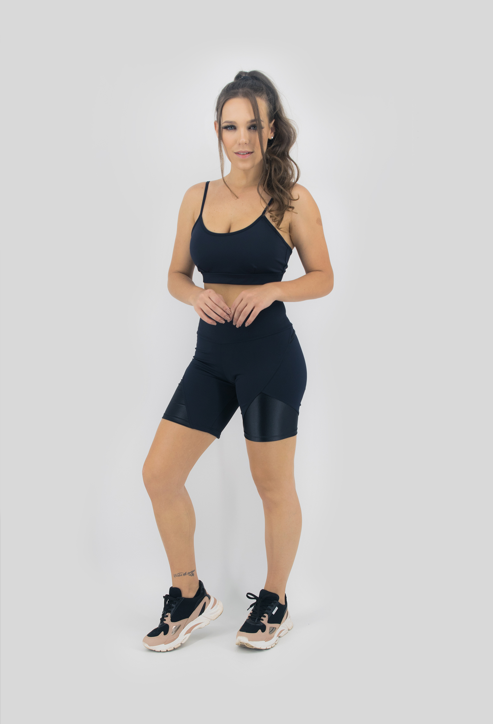 Top Profusion Preto, Coleção Move Your Body - NKT Fitwear Moda Fitness