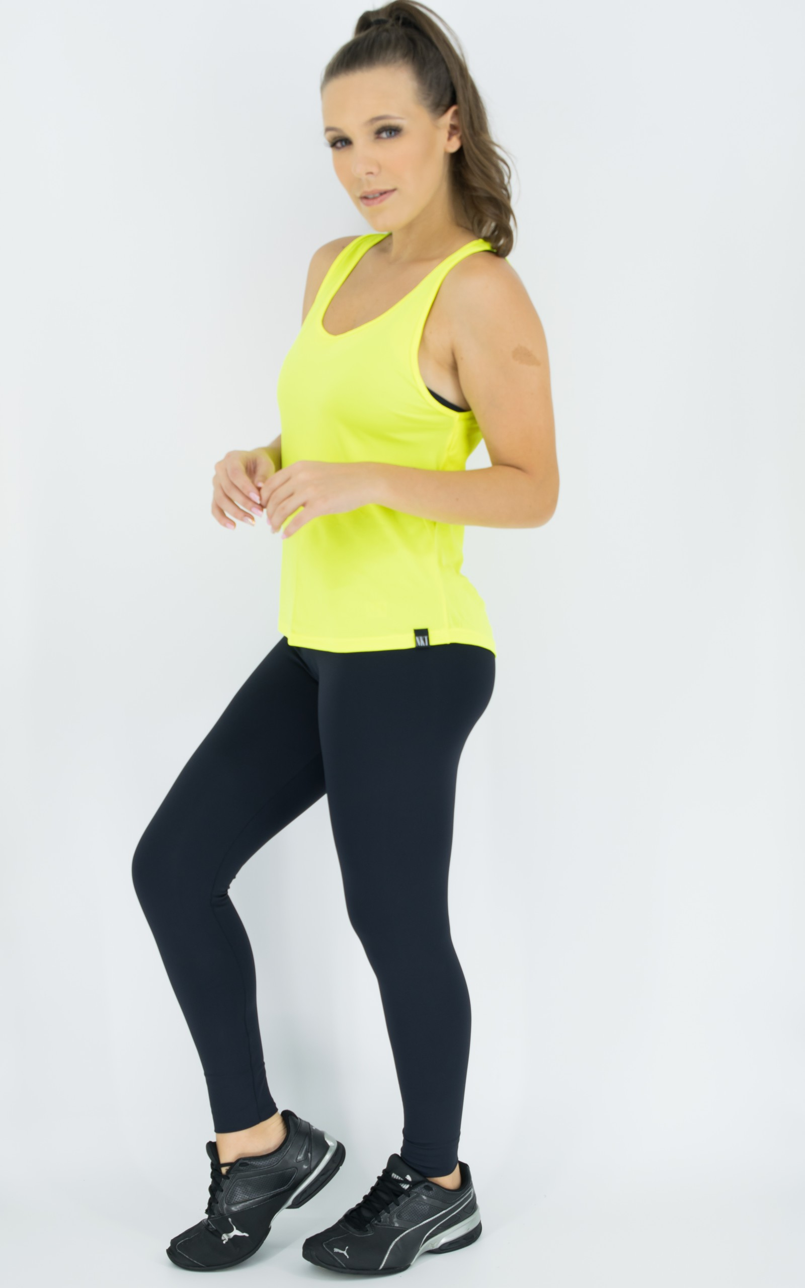 Regata Lux Neon, Coleção Move Your Body - NKT Fitwear Moda Fitness